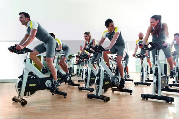 Pierde peso y quema grasa entrenando spinning. www.deporteysaludfisica.com