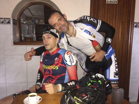 Alvaro y Pedro con el café sin azúcar